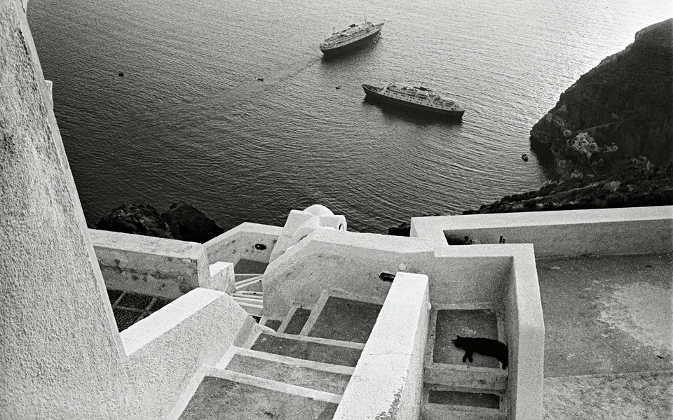 <h5>Santorini, 1981</h5>
