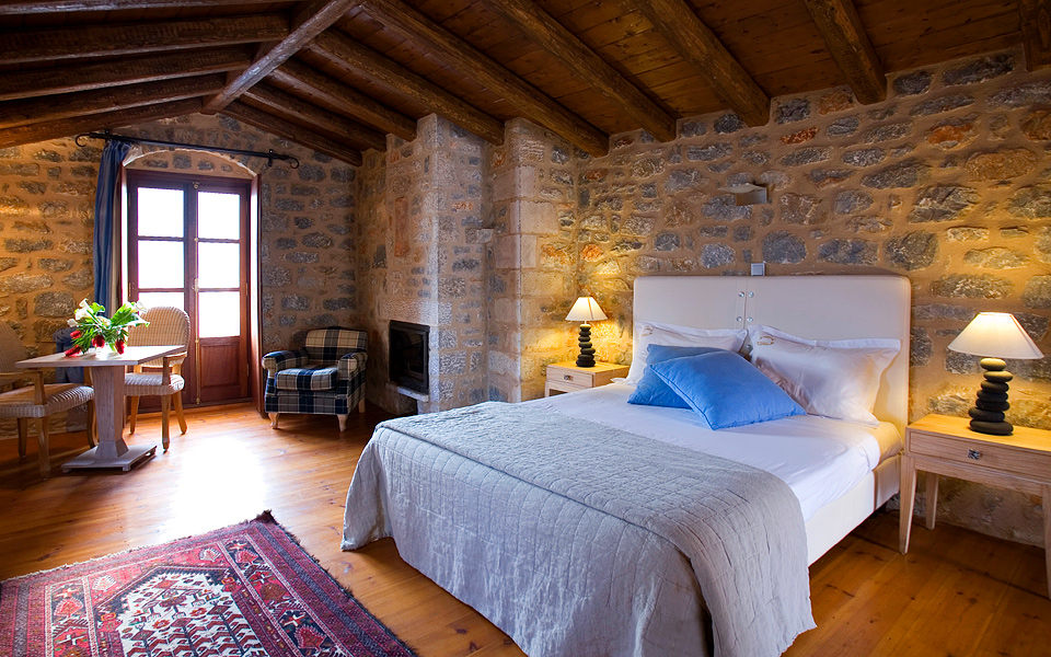 All The Rooms Marry Local Stone And Dark Wood With A Palette Of Earthy Colors Exquisite Rustic Furnishings