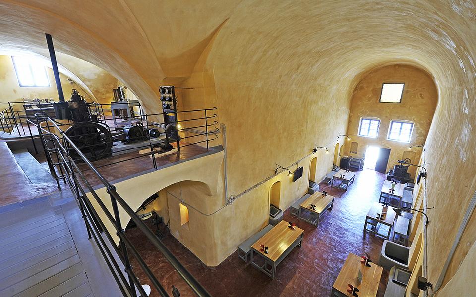 <h5>Venetsanos Winery, Santorini.</h5>