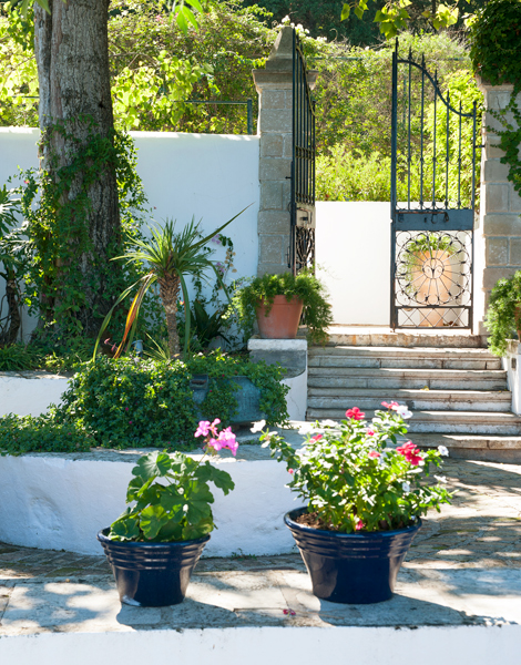 kerkira dating site Corfu (greek: κέρκυρα, kerkyra)  a heritage protected site in a designated area  there are just six suites in beautifully restored houses dating back to.