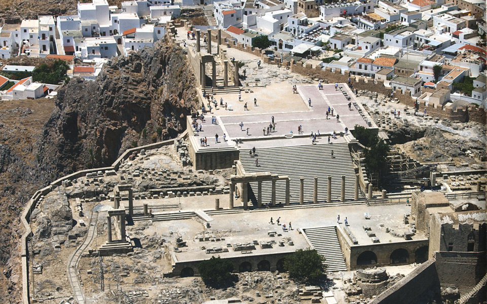 <h5>View of the triangular acropolis of Lindos | Rhodes | Dodecanese</h5>