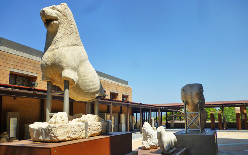 interview_thebes_museum_06