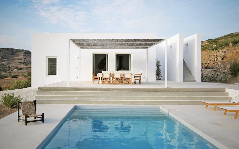 <h5>Maison Kamari House, Paros | By React Architects</h5>