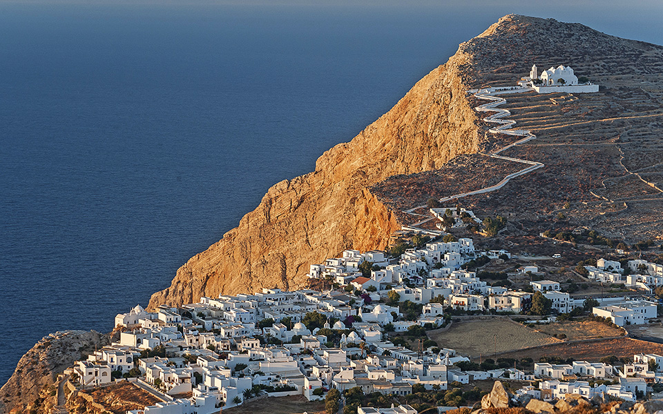 10-SUMMER-DESTINATIONS-FOLEGANDROS-