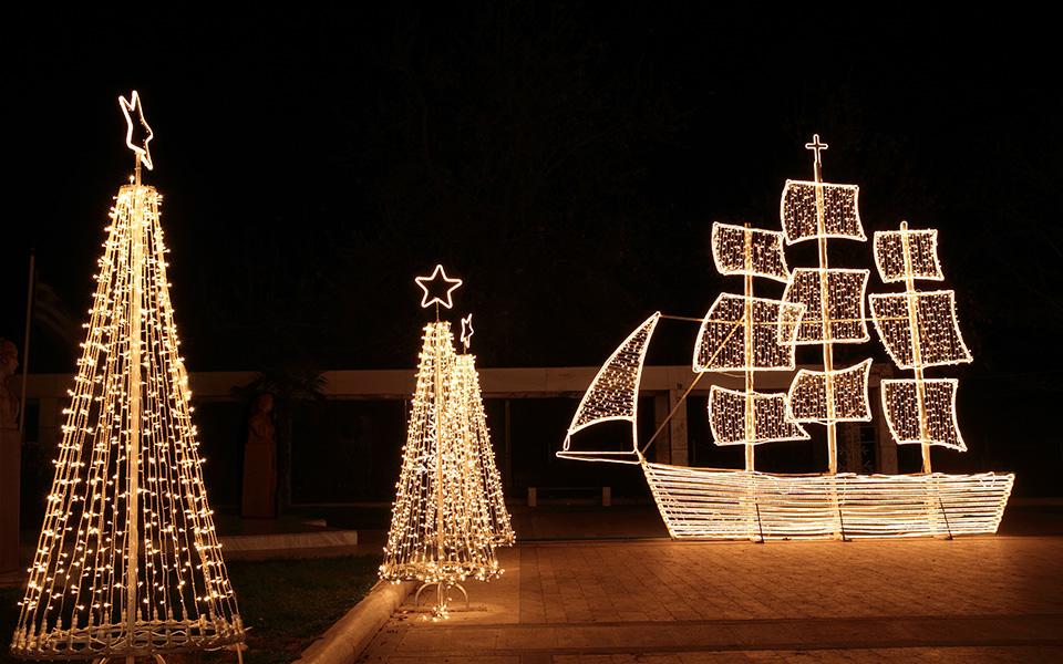 Christmas-boatshutterstock_68501791