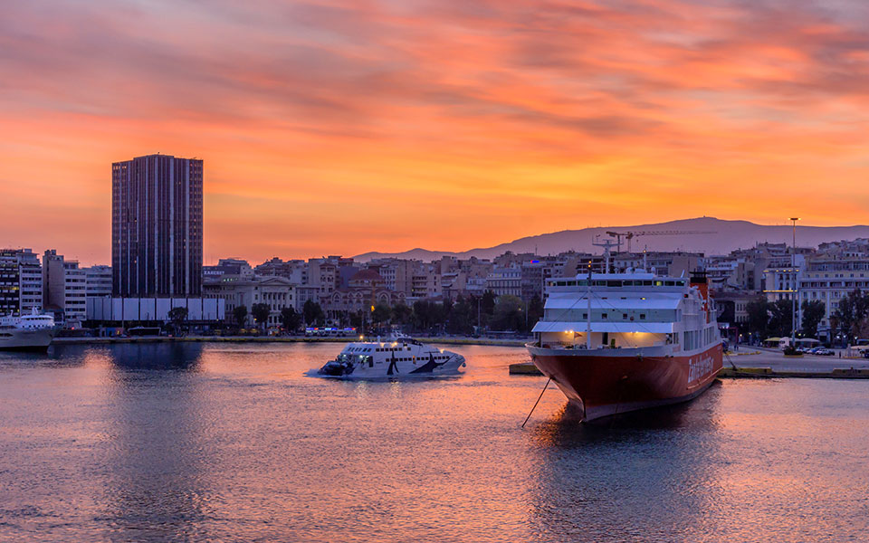 piraeus_sunset_shutterstock