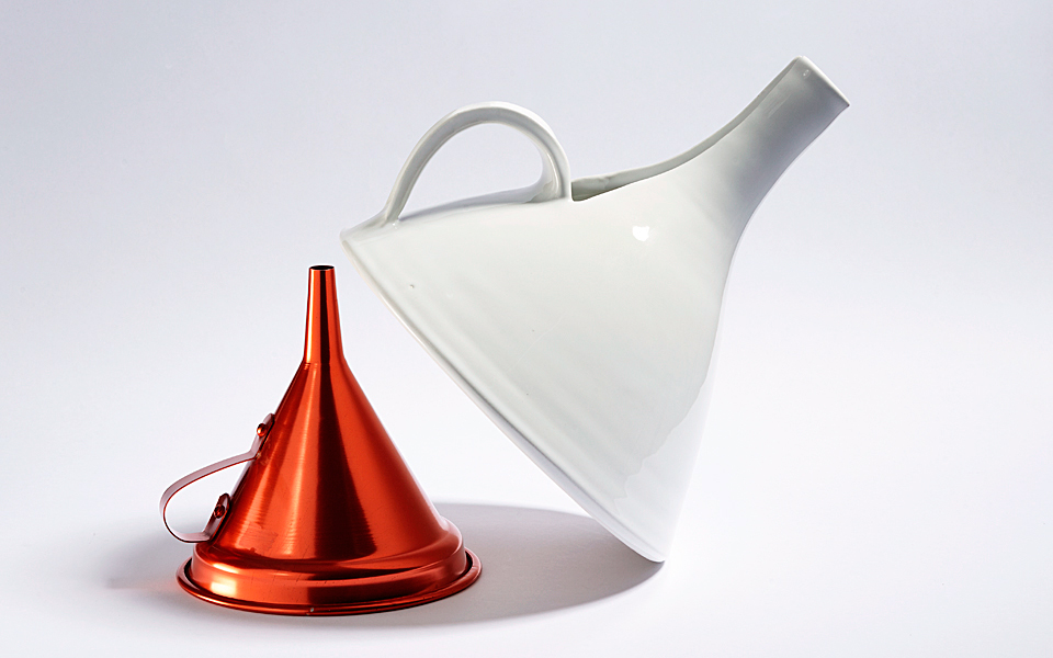 <h5>CARAFE WITH FUNNEL VISION</h5>