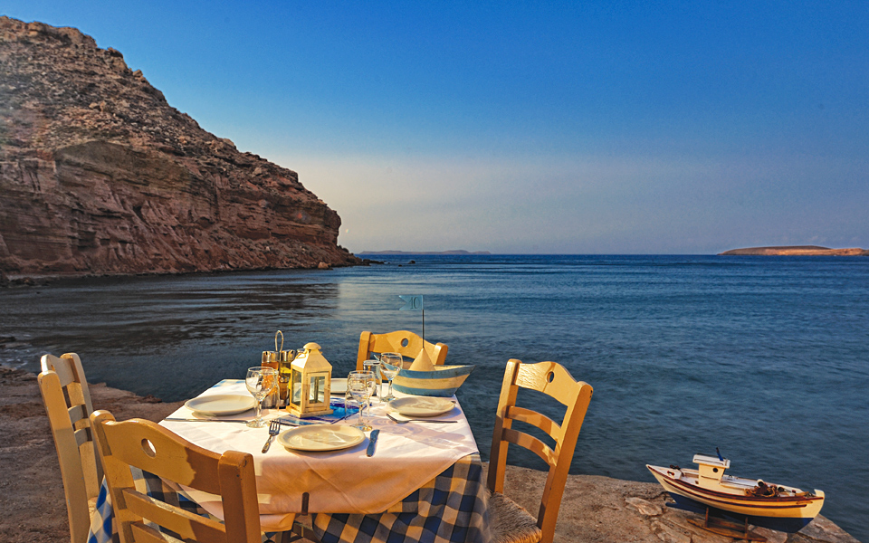 The 17 Best Tables by the Sea in Crete - Greece Is