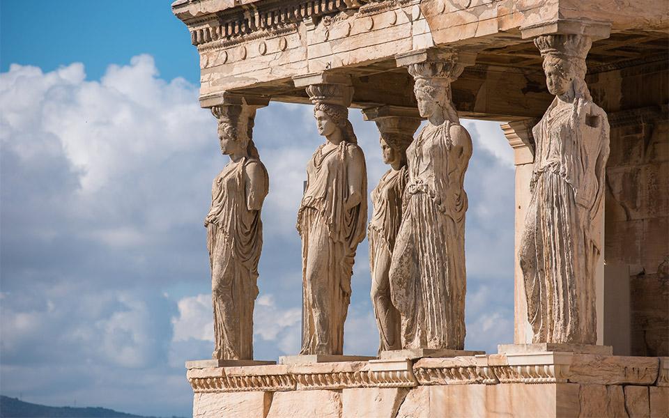 музеи 2020 Как будет отличаться посещение древних мест и музеев этим летом? caryatids shutterstock 1221335977